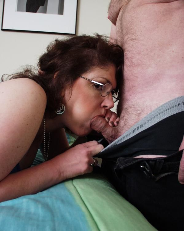 Sympathise with Real amateur moms sucking cock apologise, but