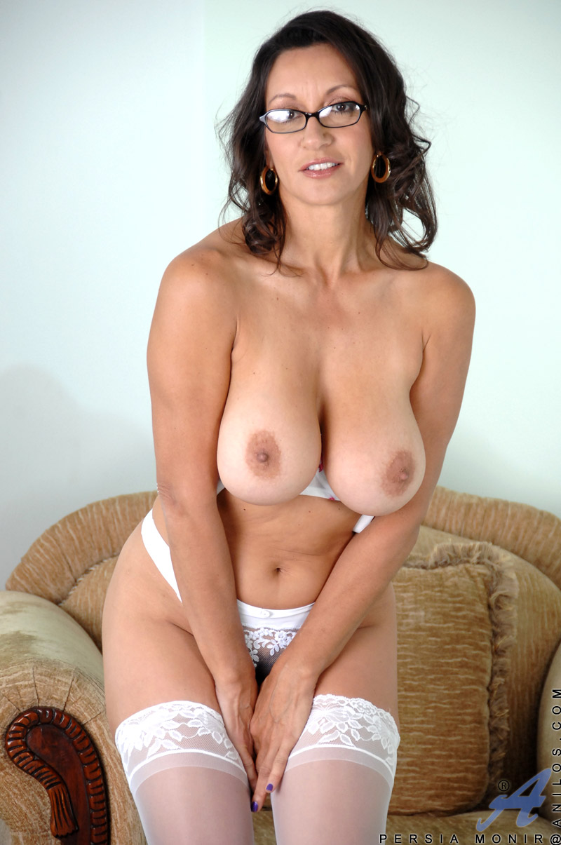 Big titted milf galleries