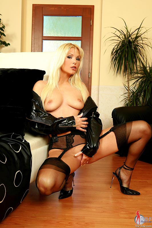 There's wet her blonde pussy dildoing stunning amusing