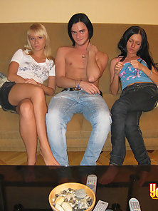 Longhaired brunette pal bangs loving holes of two beauties.