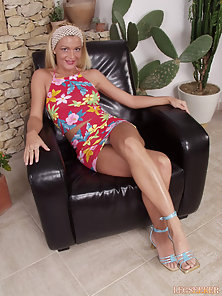 Monica loves the feel of her smooth long legs