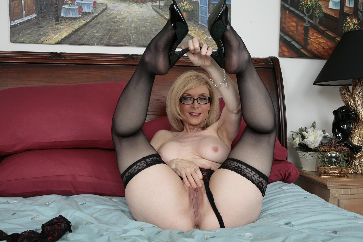 Mature pornstar nina hartley