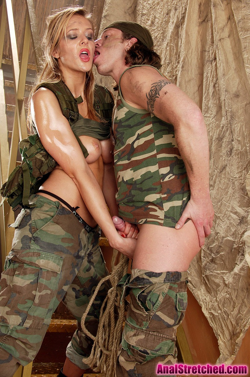Army Chick With Sexy Round Curves Loves An Anal Pounding -8708
