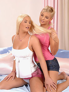Blond teens Eve and Misty in lusty lesbian romp