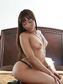 Black beauty with nice ass rides a huge cock