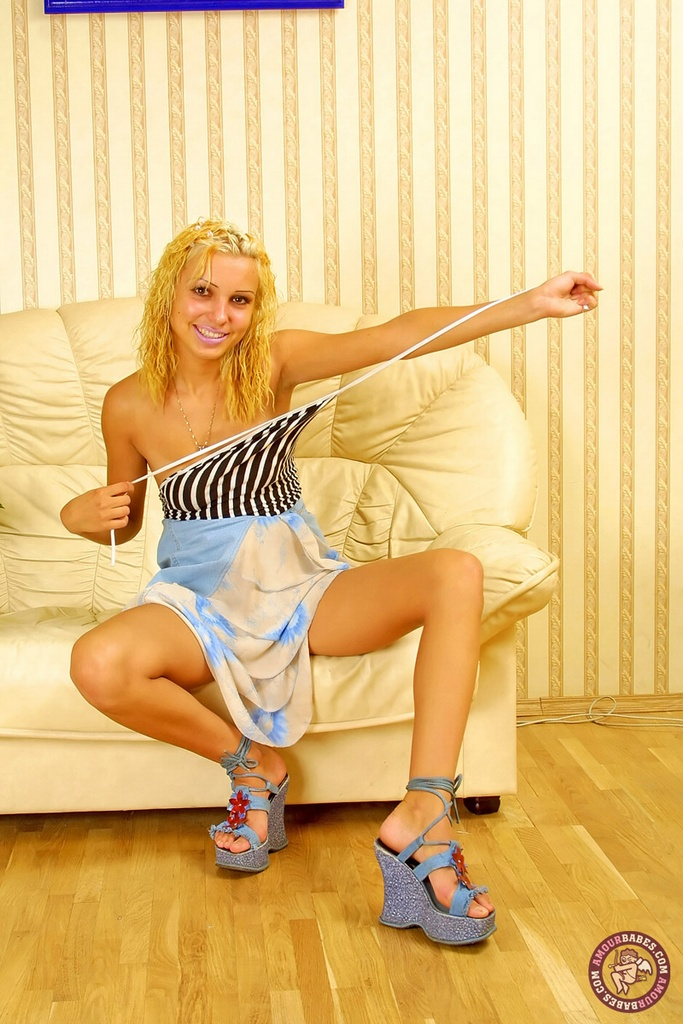 Sexy naked girls with sexy feet