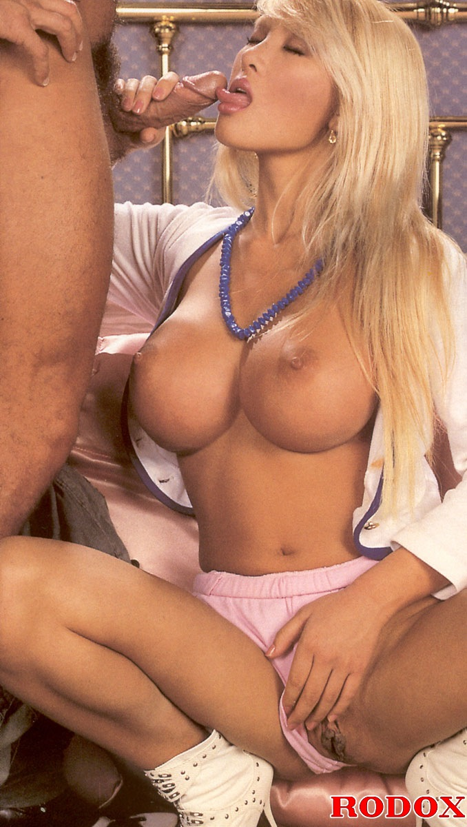 A Retro Blonde Chick With Huge Tits Banged Hardcore At -3007