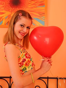 Anabelle Flowers Make Her Hot