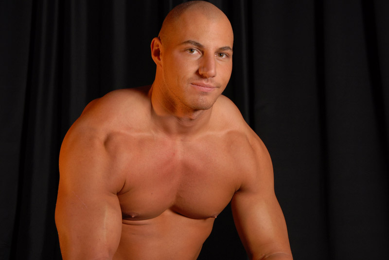 Justin Riddick Wants To Show You His Large Hot Muscles And Who Can Blame Him