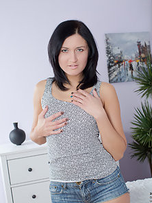 Pretty mom shows off her small boobs and tight round ass before masturbating