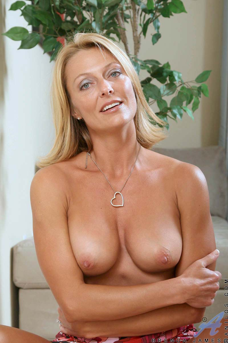 Milf with perky boobs