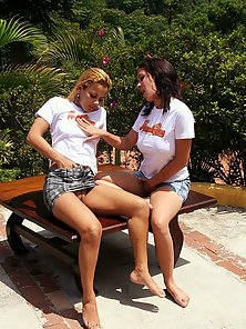 Two horny girls getting off on one anothers fists