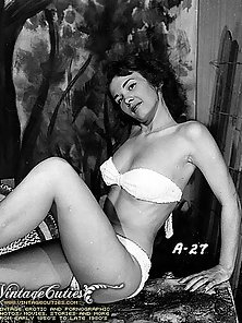 Excellent Nudity Photos Of Year 1945