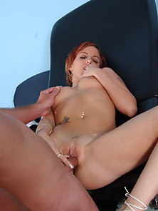 Babes enjoys being licked on her wet clit