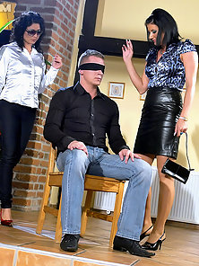 Blindfolded dude shagging hotties