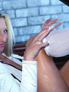 Slutty blonde Cheshire gets nasty on the car