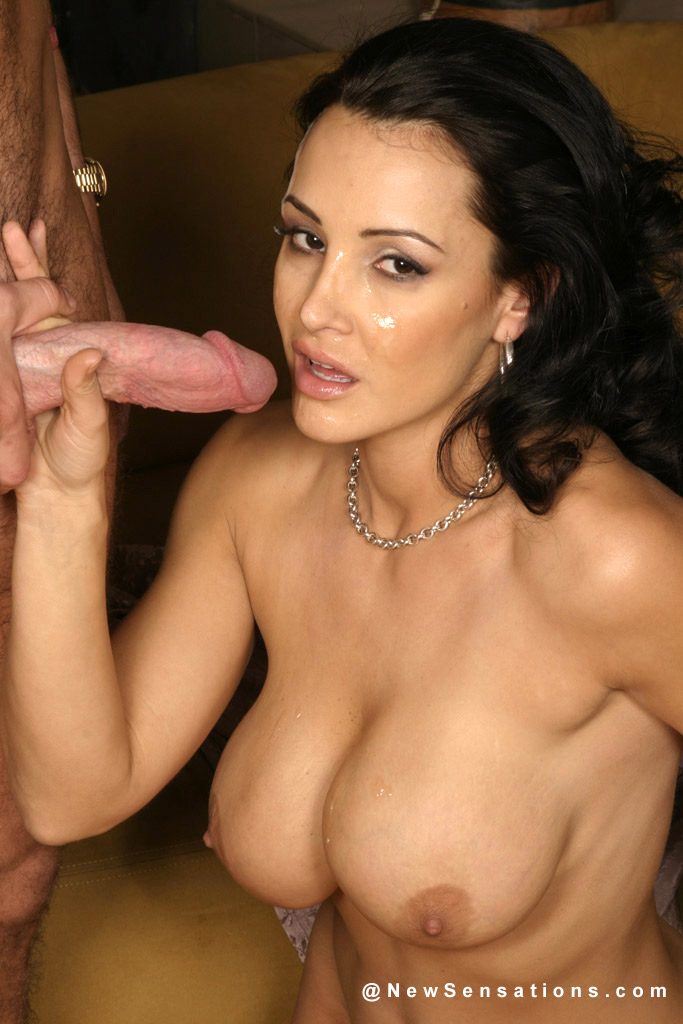 Does lisa ann have natural tits
