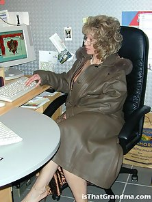 Blonde grandma getting nasty in the office