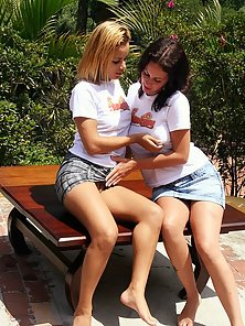 Latina hottie getting fisted by her blonde girlfriend