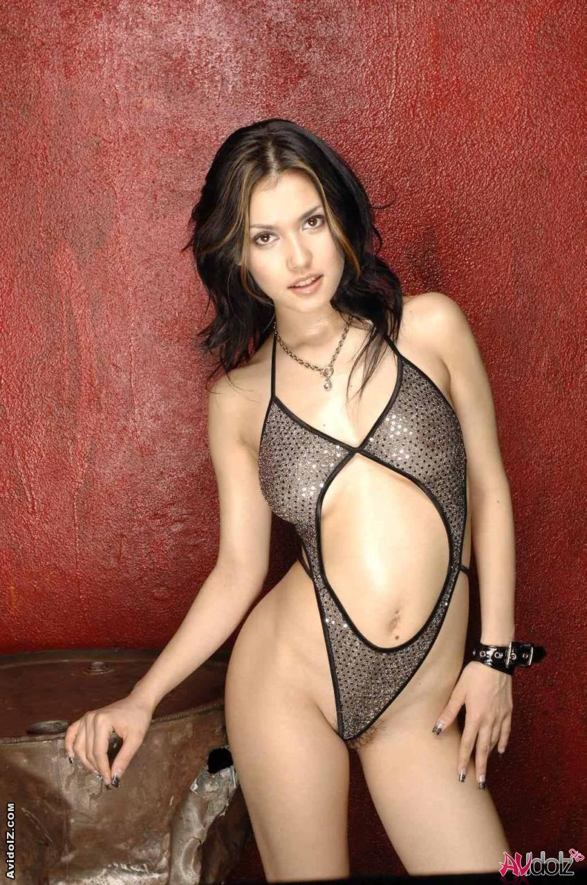 cute asian girl maria ozawa getting naked in her swimsuit - mobile