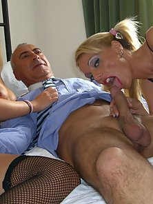 UK Blondes picked up from the street for a blowjob