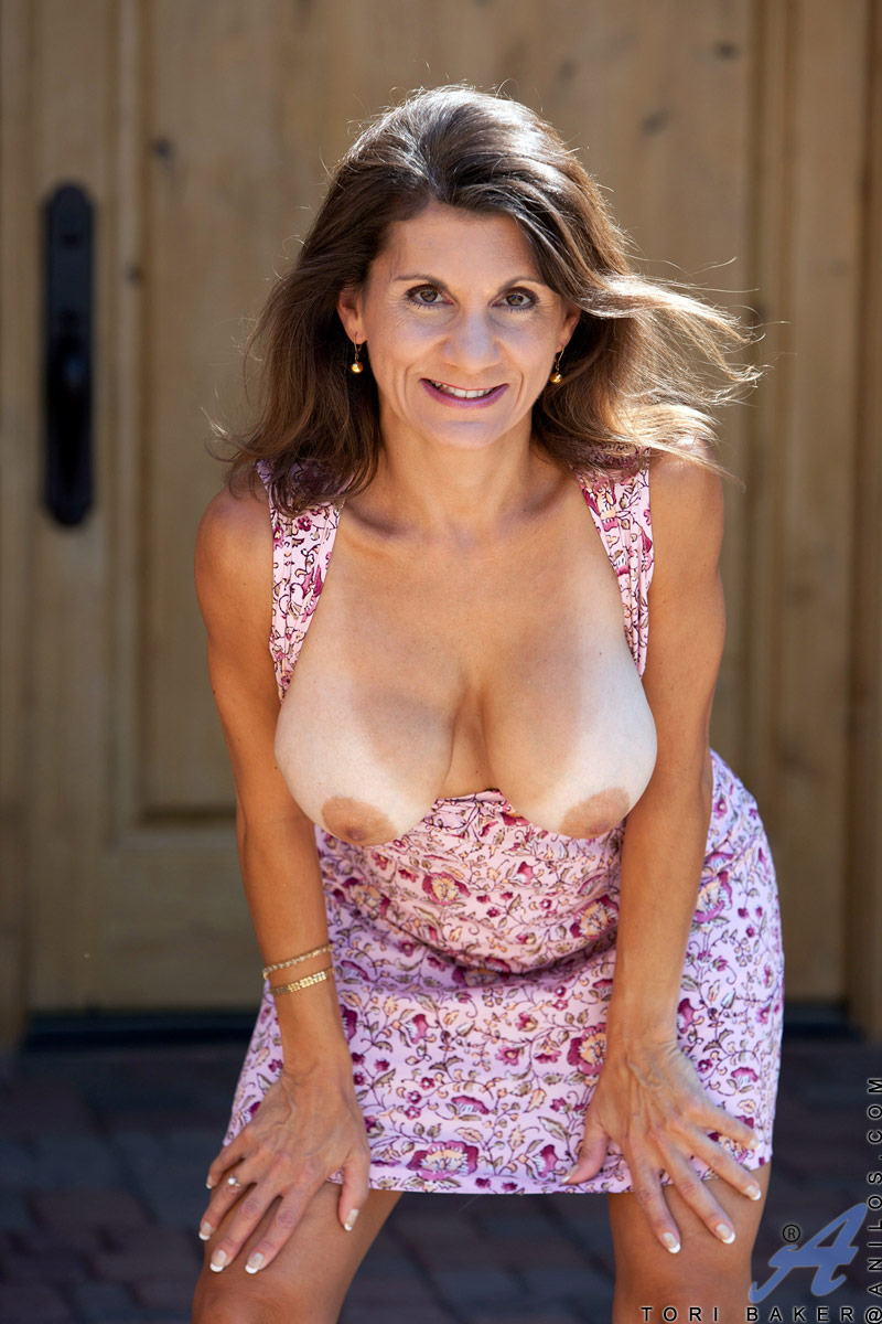 Naughty milf pictures