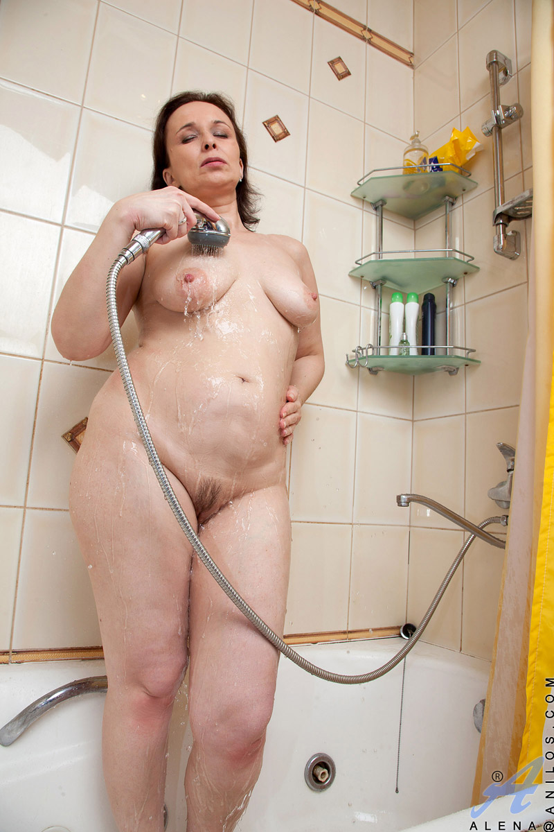 Anilos Alena Fingers Her Wet Granny Pussy In The Bathroom -5170