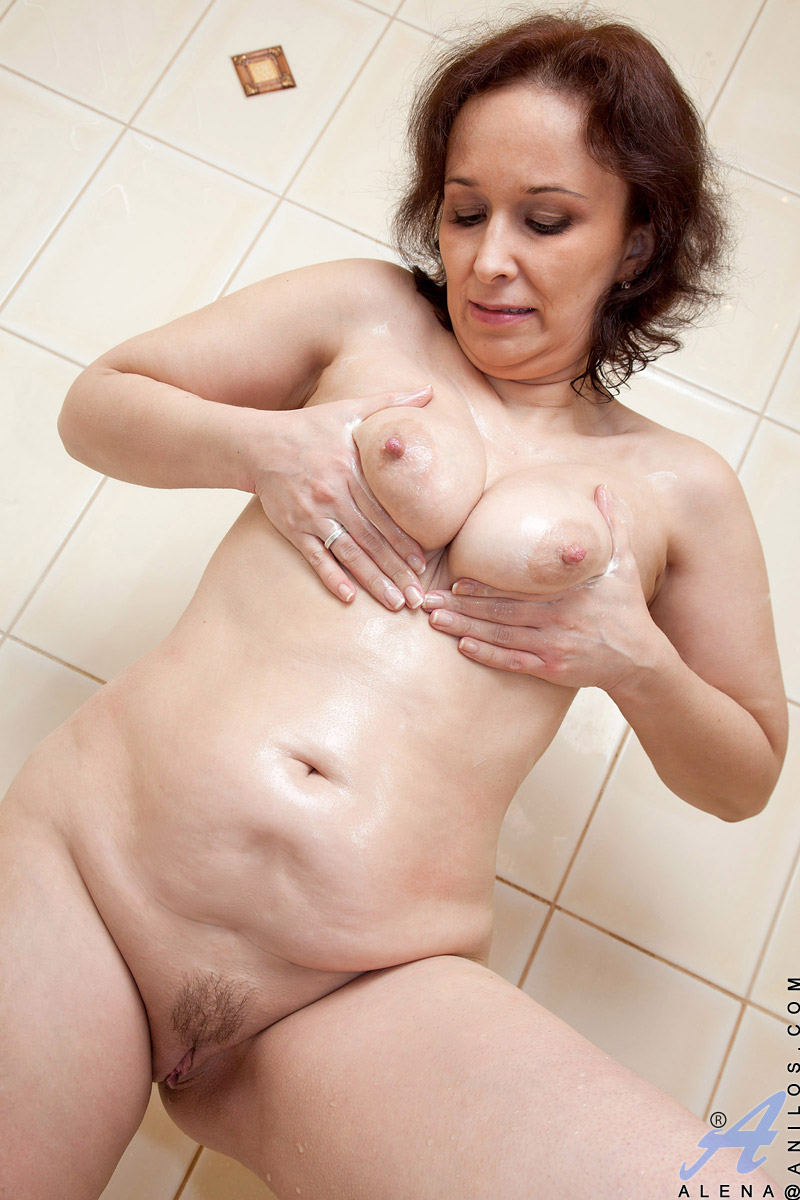 Granny pussy pictures gallery