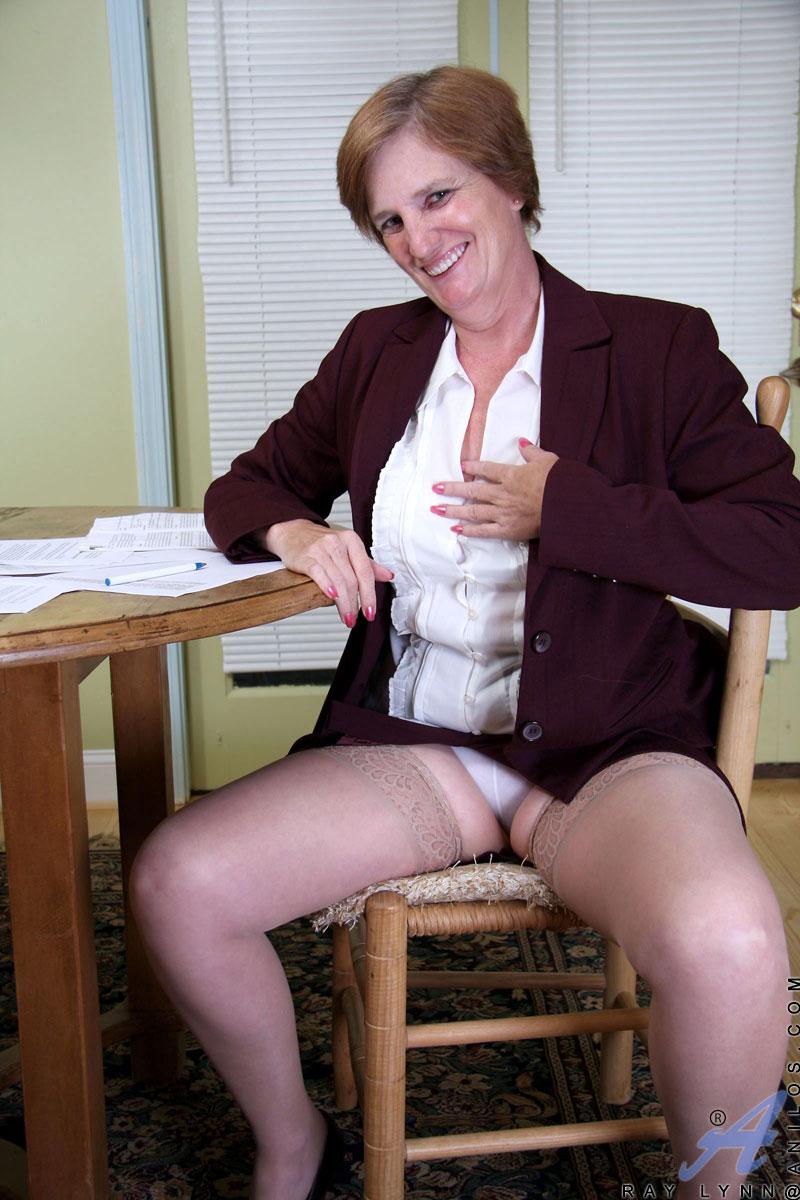 Naughty Executive Granny Takes A Quick Break To Strip Off -2188