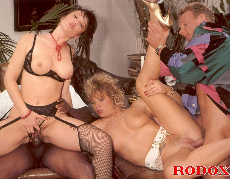 Meget rigtig Horny Retro Interracial Hardcore Groupsex Party-3410