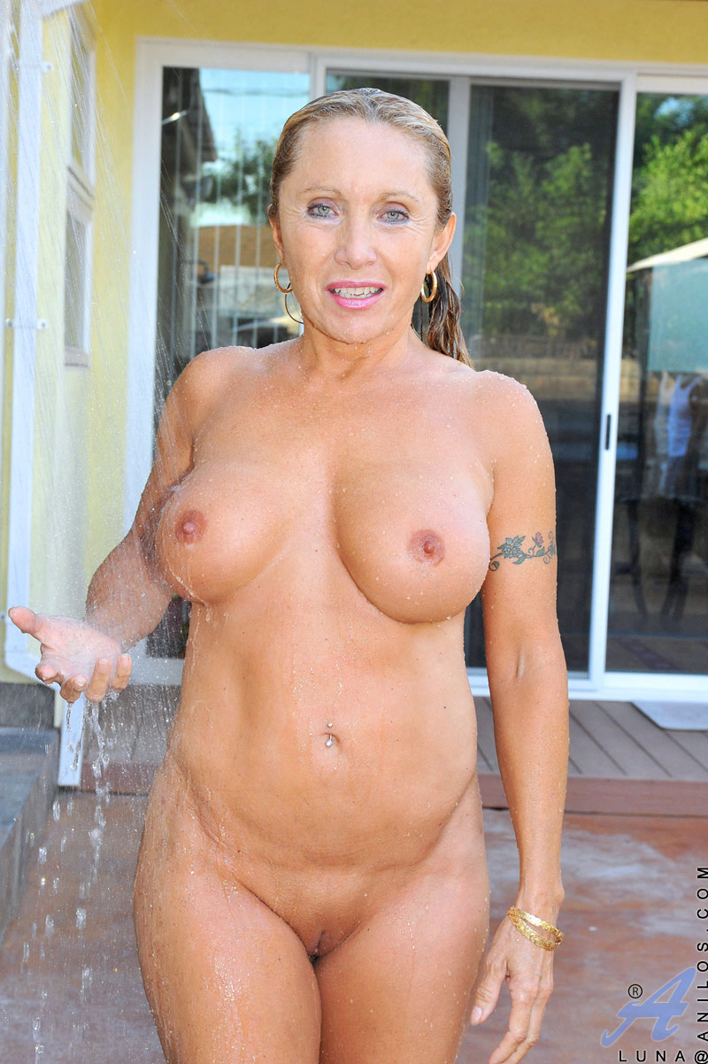 Pale mommy mature