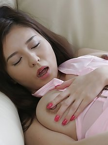 Japanese girl pleasing her hairy pink pussyhole
