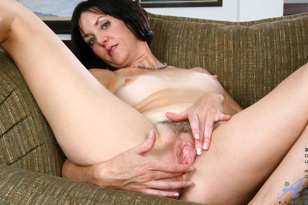 Pussy mom porn — photo 4