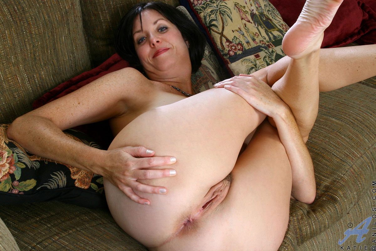 Cum in moms pussy son masturbates and drops his load all over his mother's antsy, little pussy