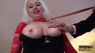 Leashed british hoe submited into swallows