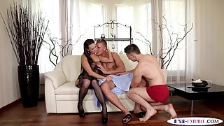 Ass banged stud gets facialized in mmf trio