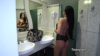 Lingerie tranny playing girlfriend